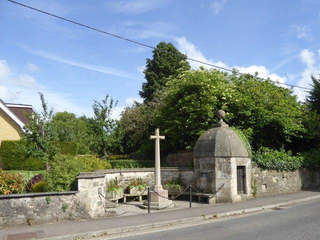 Hilperton lock-up and war memorial