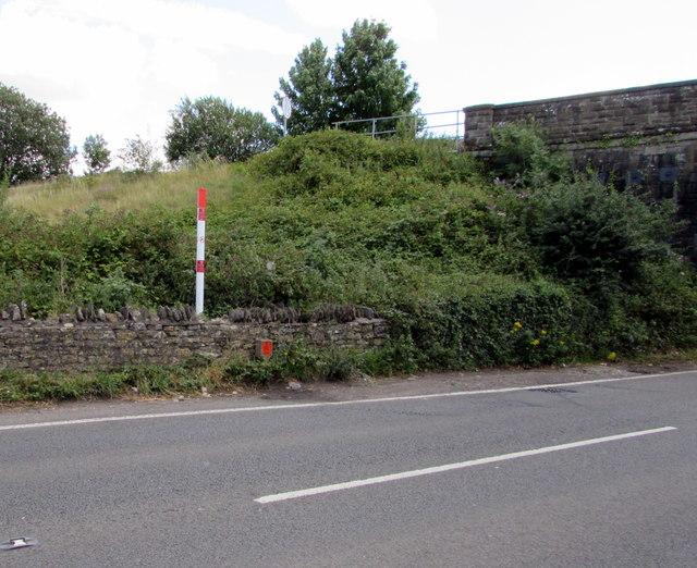 Gas pipeline marker post,  Westerleigh Road, Westerleigh