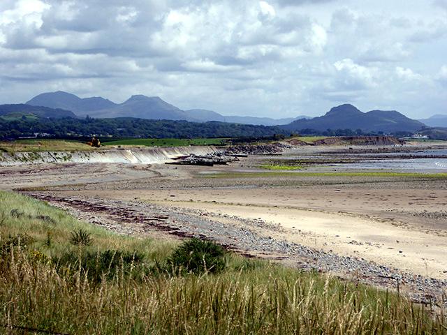 A view eastwards along the coast from Afon Wen