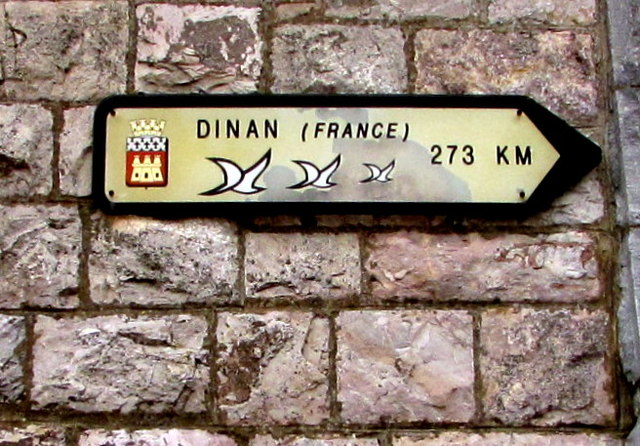 Dinan (France) direction and distance sign, Exmouth