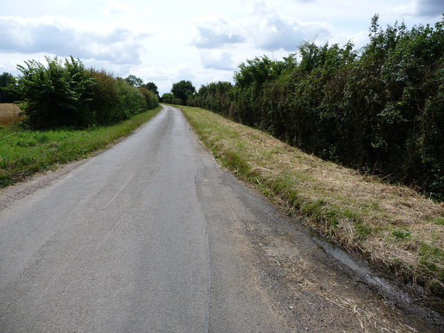 Mellis Road, heading south
