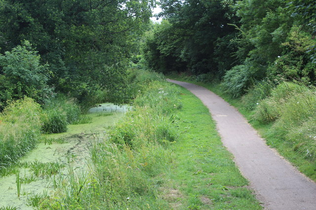 Monmouthshire & Brecon Canal at Groes Road bridge