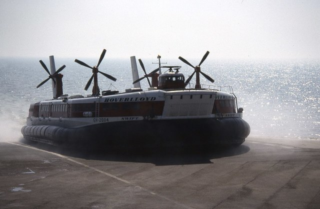 Hoverlloyd hovercraft arriving at Pegwell Bay