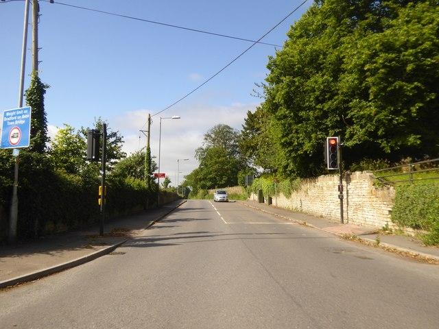 B3109 at its crossroads with B3105 near Elbury