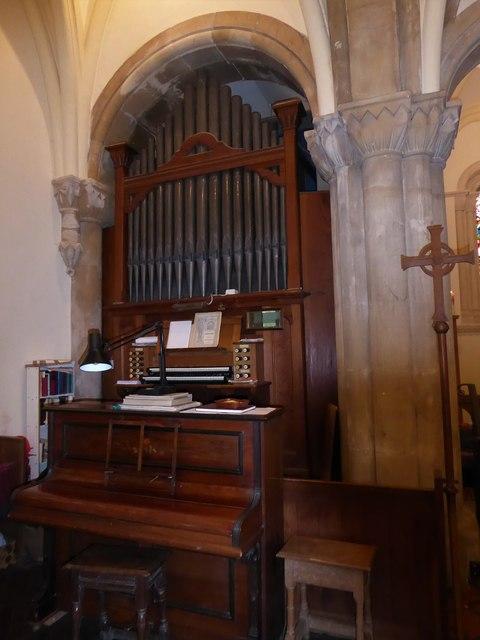 Holy Trinity, Cleeve: organ