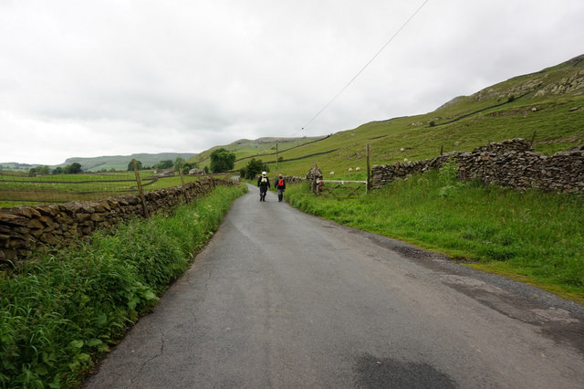 Austwick Road towards Austwick