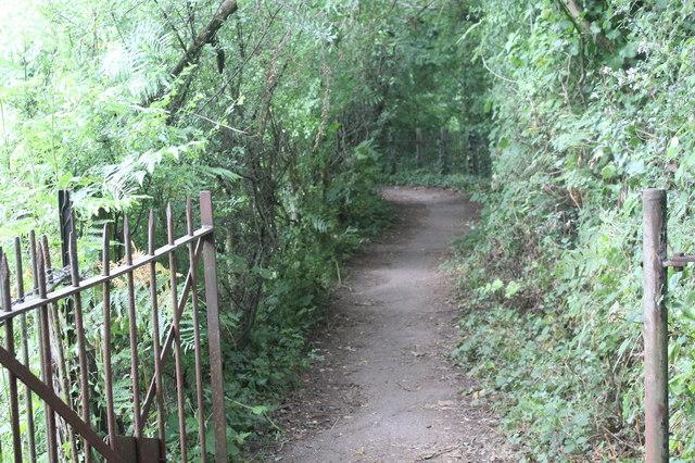 Footpath to footbridge over River Ebbw