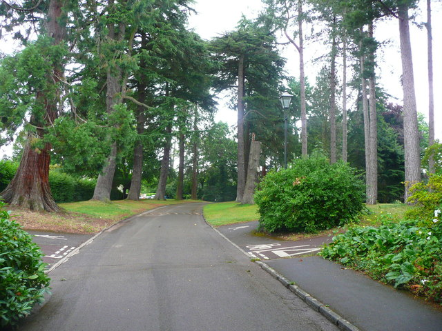 Driveway into Stratford Park, Stroud