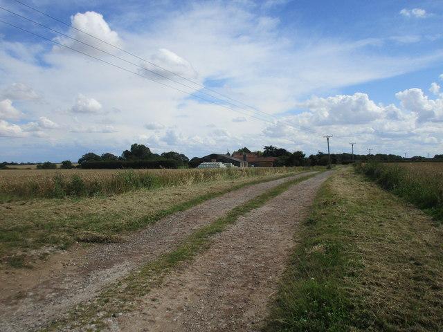 Track to North Skirlaugh Grange