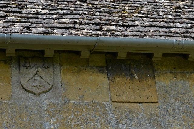 Ebrington, St. Eadburgha's Church: 1625 sundial and Keyte arms on the south chancel wall