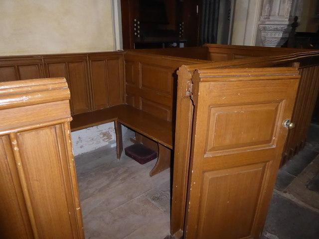 Inside St Nicholas, Brockley (b)
