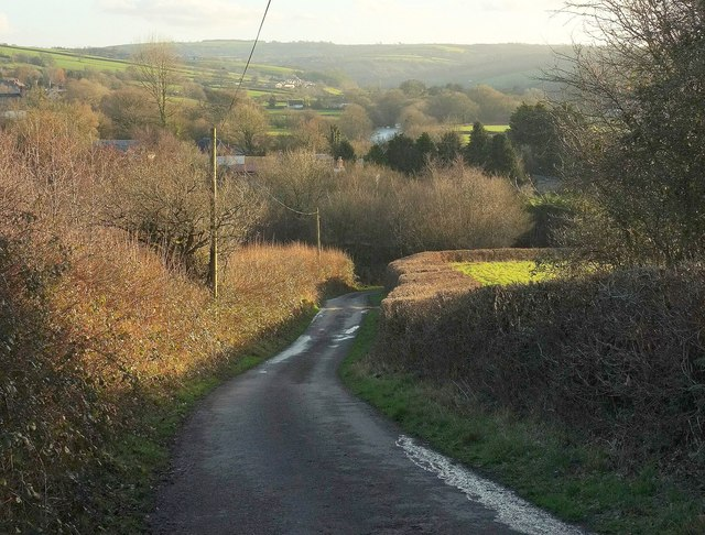 Lane to the Taw valley