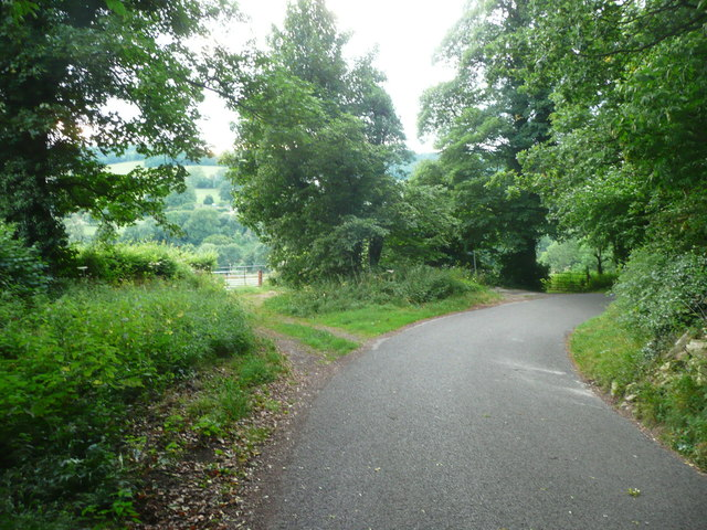 Wades Lane at the junction with the footpath from Hammonds Farm