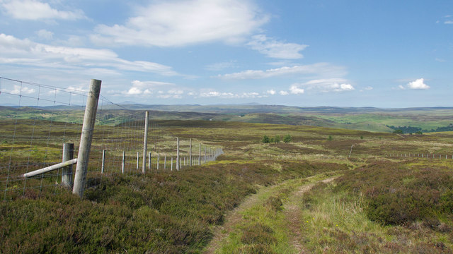 Path to Coirryachvrail and enclosure fencing