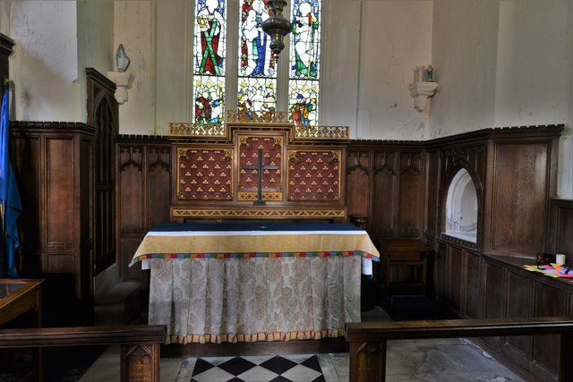 Wing, All Saints Church: The altar in the apse