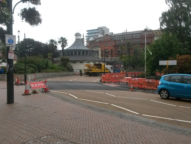 Bournemouth: a new pedestrian crossing is prepared