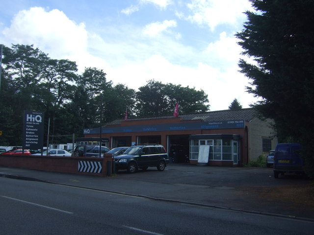 Tyre fitters on Droitwich  Road