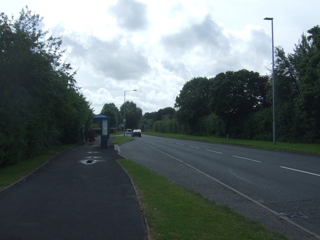 Bus stop and shelter on Woodgreen Drive