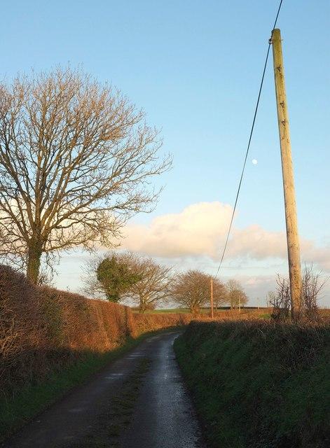 Lane to Broadmoor Cross