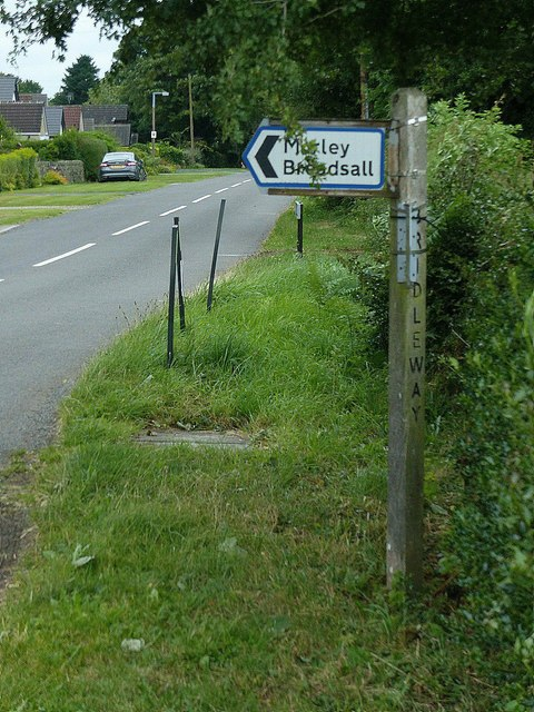 Fingerpost at Brackley Gate