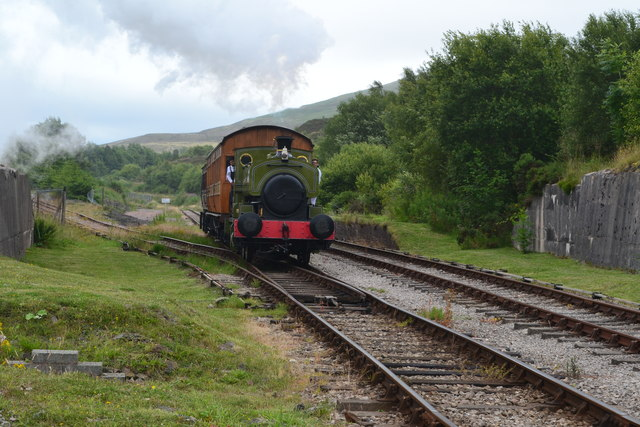 Train approaching Furnace Sidings on the Pontypool and Blaenavon Railway