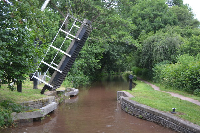 Lifting bridge No. 149 on the Monmouthshire and Brecon Canal