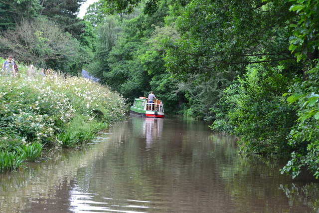 Narrowboat approaching Ashford Tunnel