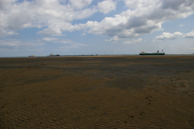 North Gare Sands: shipping in the Tees