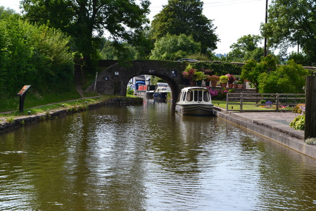 Monmouthshire and Brecon Canal at Govilon