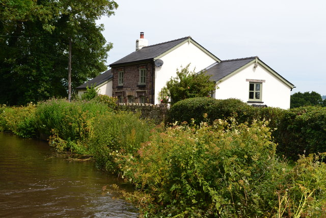 House beside the Monmouthshire and Brecon Canal near bridge No. 81