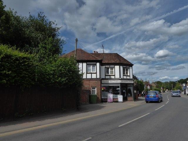 Weyahead, Ewhurst Road