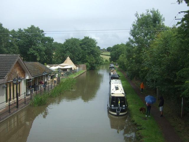 Worcester & Birmingham Canal, Stoke Pound