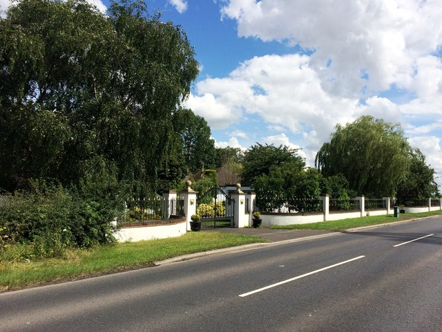 Gated Dwelling Entrances on Armthorpe Lane