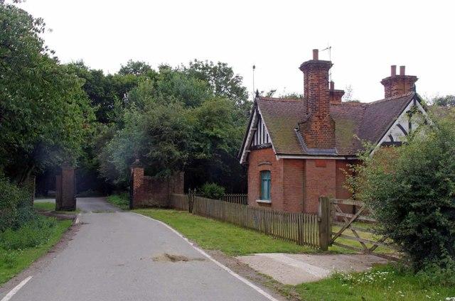Gatehouse at Woodredon Farm