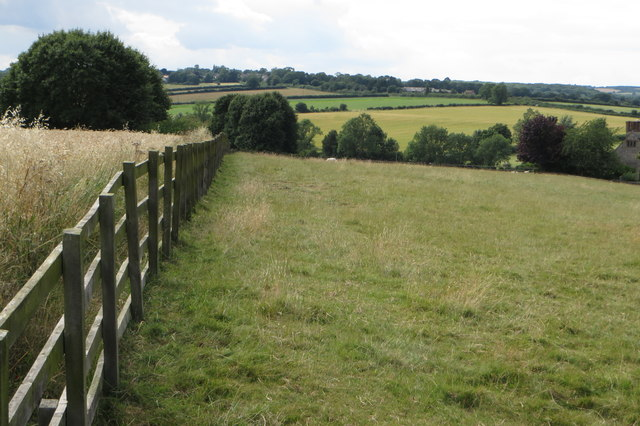 Footpath to Astwell House