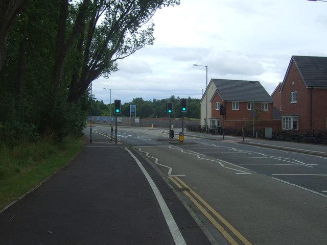 Traffic lights on Groveley Lane