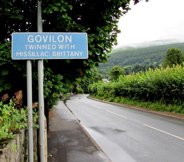 Govilon boundary sign