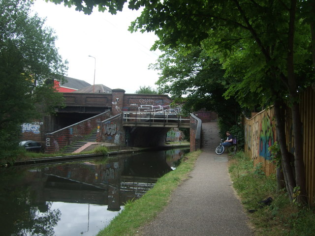 Pershore Road bridge over the Worcester and Birmingham Canal