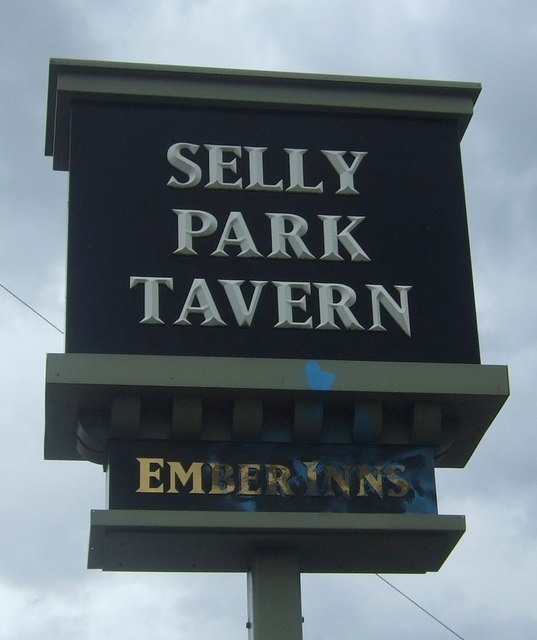 Sign for the Selly Park Tavern