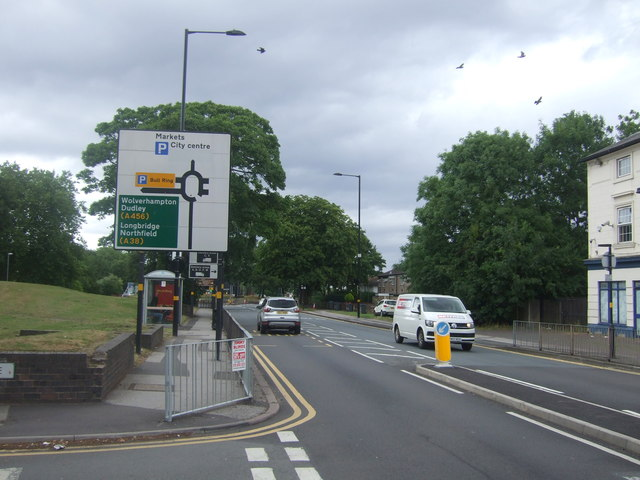 Pershore Road (A441) approaching roundabout