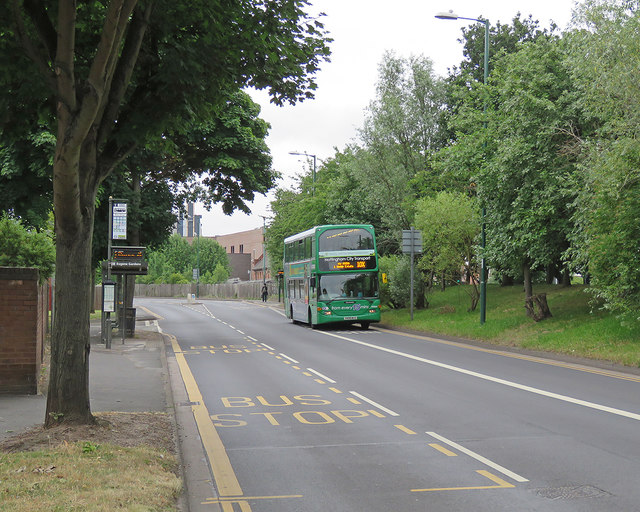 Meadows Way: Eugene Gardens bus stop