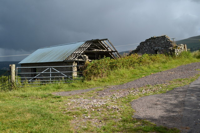 Derelict farm building at Ty-Twmp