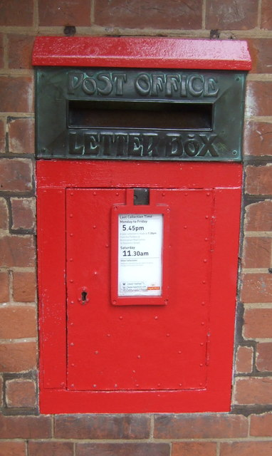 Postbox on Sycamore Road, Bournville