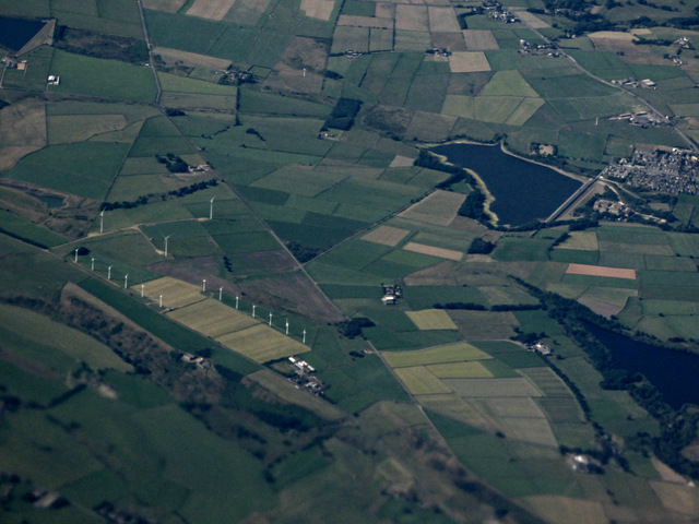 Royd Moor wind farm and Ingbirchworth reservoir from the air