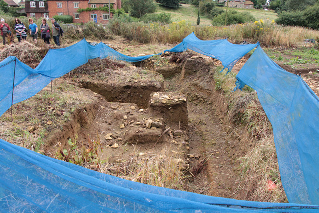 Croxton Kerrial 12thC Medieval Manor House: excavations (2)