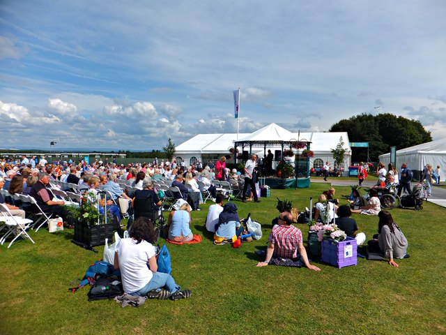 Relaxation and entertainment at RHS Tatton Park