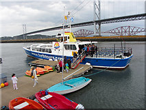 NT1278 : Passengers disembarking from the Forth Belle by Gareth James