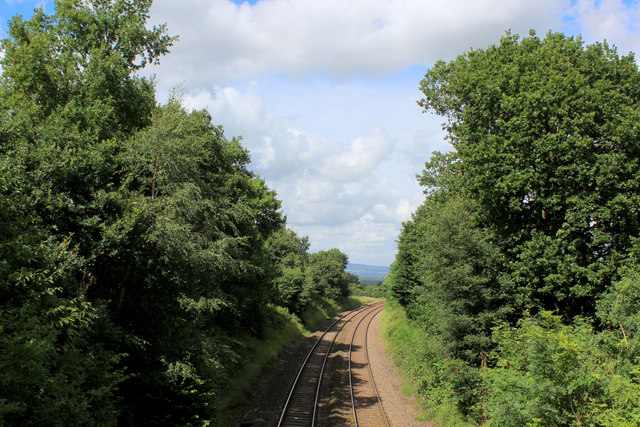 Railway Line heading North East from Wilpshire