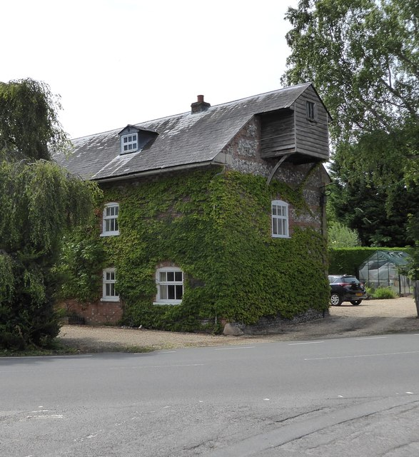 Old Mill House at Chilton Foliat