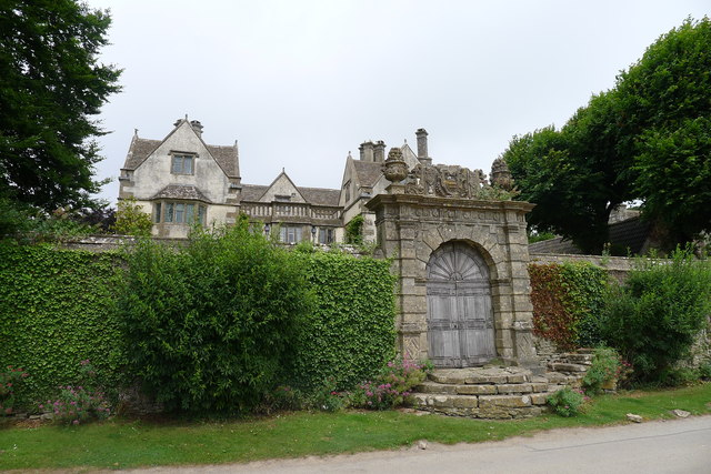 Garden wall and gateway to the Manor House, Cold Ashton